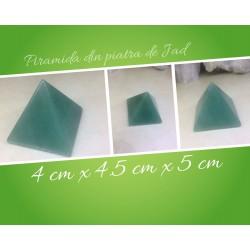 PIRAMIDA din JAD 4x4.5x5 cm pentru Vindecare, Frumusete, Echilibru si Abundenta